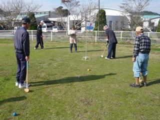グラウンドゴルフ 競技中-R.JPG