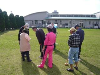 グラウンドゴルフ 説明中-R.JPG