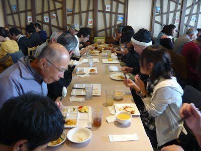 食事風景_R.JPG