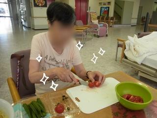 H27.10.お昼ごはん作り①.jpg